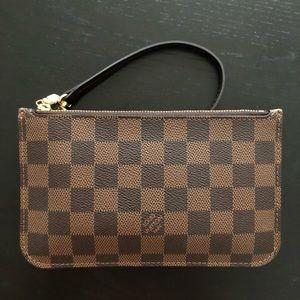 Authentic Louis Vuitton Neverfull Pochette Pm size